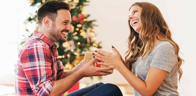 GIFT GUIDE: 10 Gifts To Get Your Conservative Boyfriend This Christmas