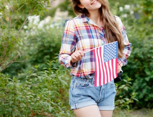 9 Accessories Every America Loving Woman Needs For Her Fourth of July Outfit